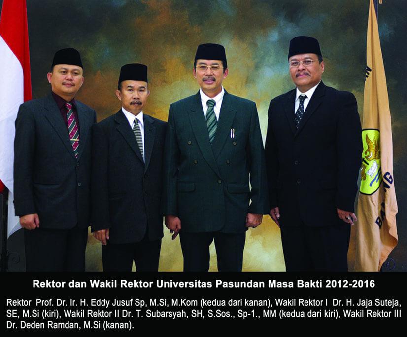 Rektor-dan-Wakil-Rektor-Web-1024x847