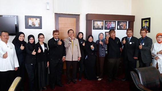 5 Mahasiswa Malaysia Kuliah di Unpas